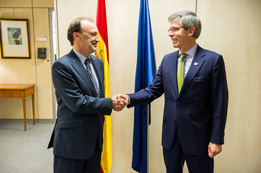 Jesús Gracia recibe al ministro de Justicia de Colombia
