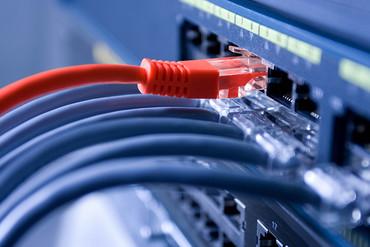 Internexa acuerda con Telefónica el uso del cable submarino BRUSA