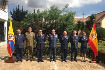 Primera reunión de las fuerzas aéreas de España y Colombia