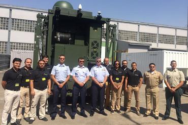 El comandante de la Fuerza Aérea Colombiana visita Indra