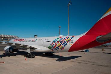 Iberia presenta su avión conmemorativo para Iberoamérica
