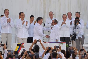 El Gobierno de Colombia y las FARC firman el Acuerdo de Paz