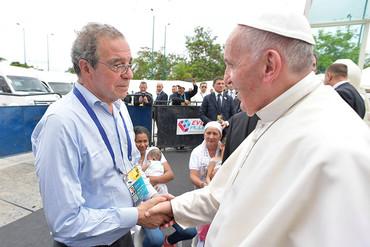 El Papa Francisco se interesa por ProFuturo en Colombia