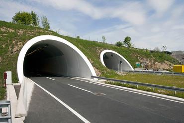 Indra implanta su sistema de gestión en otros cuatro túneles de Colombia