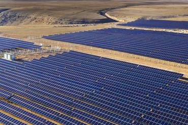 Contrato de Solar Steel para un proyecto fotovoltaico en Colombia