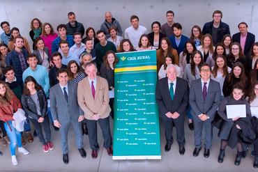 Caja Rural de Navarra entrega 45 becas Global Internship