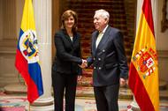Saludo de María Ángela Holguín y José Manuel García-Margallo